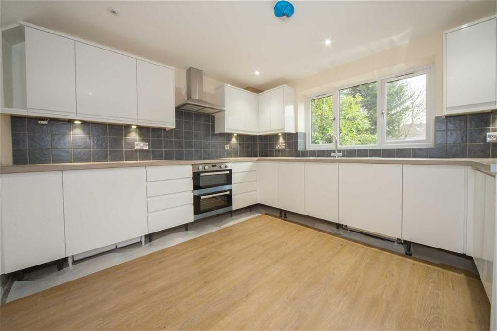 4 Bedrooms Detached House for sale in Walnut Close, Luton