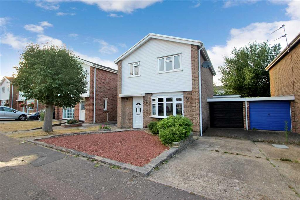 3 Bedrooms Detached House for sale in Wells Road, Colchester