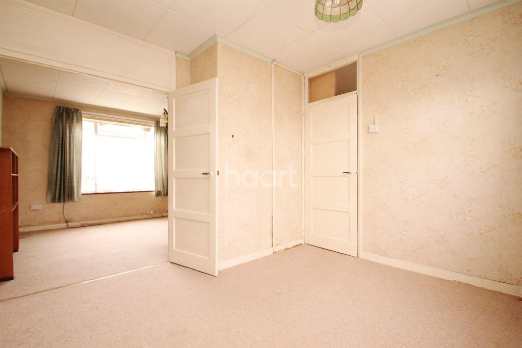 3 Bedrooms Terraced House for sale in Wisley Road, Orpington