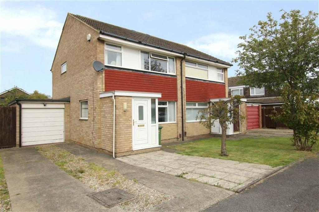 3 Bedrooms Semi Detached House for sale in Angrove Close, Yarm, Stockton On Tees