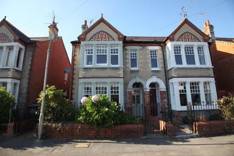 3 bedroom semi-detached house to rent - Melrose Avenue, Reading, Berkshire, RG6