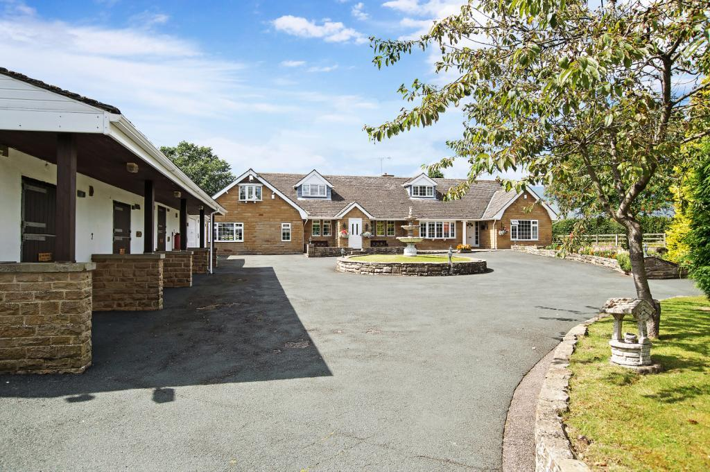 5 Bedrooms Equestrian Facility Character Property for sale in Knaresborough Road, Little Ribston, Wetherby