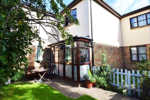 2 bedroom house for sale - Wellington Gardens, Fulwell, TW2