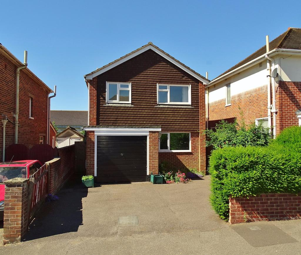 3 Bedrooms Detached House for sale in Shirley, Southampton