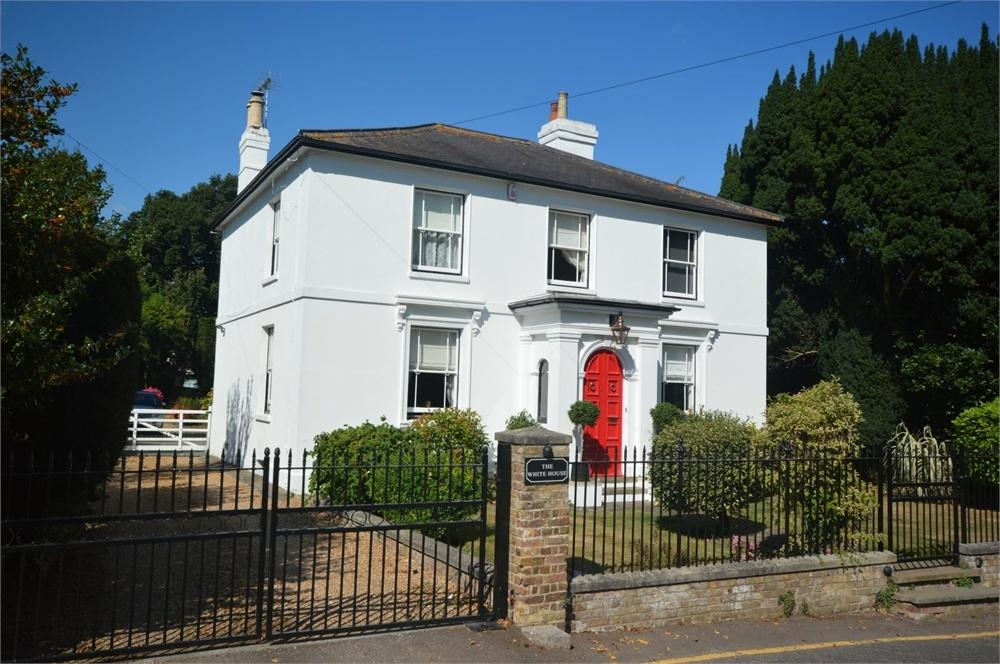 4 Bedrooms Detached House for sale in Meopham, Kent