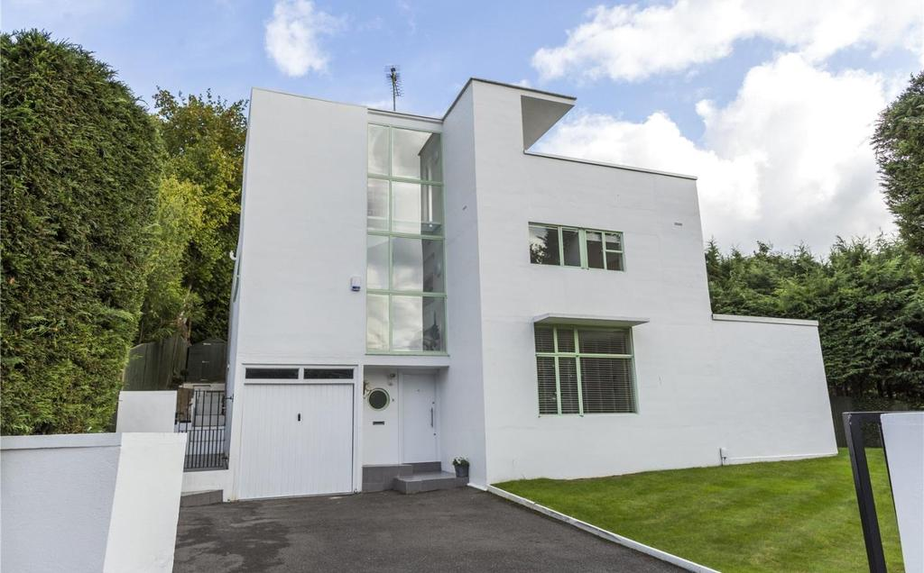 4 Bedrooms Detached House for sale in Highover Park, Amersham, Buckinghamshire, HP7