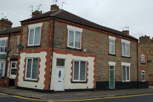 2 Bedrooms Terraced House for sale in Canal Street, South Wigston, LE18