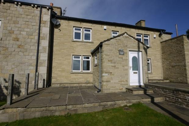 3 Bedrooms Terraced House for sale in Lane Top, Birkby Lane Bailiff Bridge Brighouse