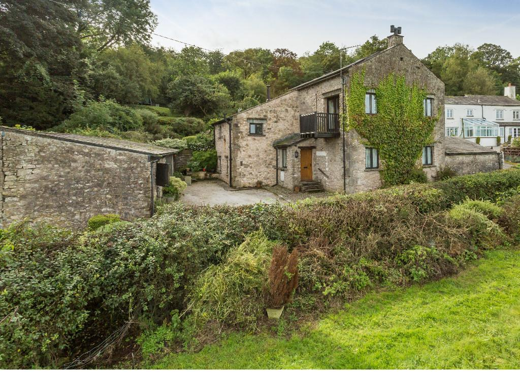 4 Bedrooms Barn Conversion Character Property for sale in Primrose Bank Barn, Hale, Milnthorpe, Cumbria LA7 7BL