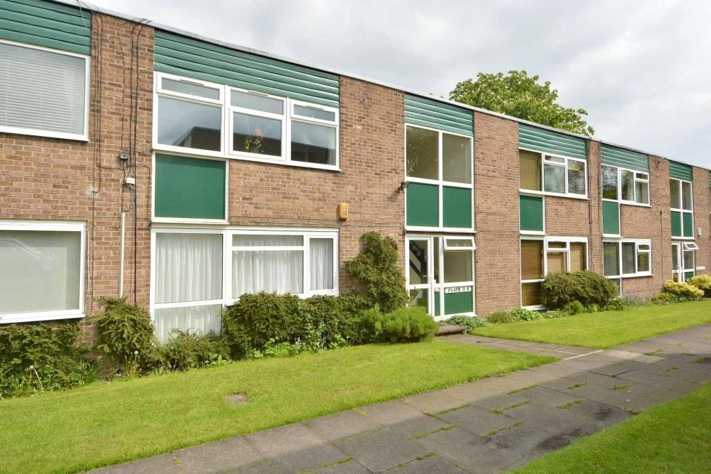 1 Bedroom Apartment Flat for sale in Green View Court, Roundhay, Leeds