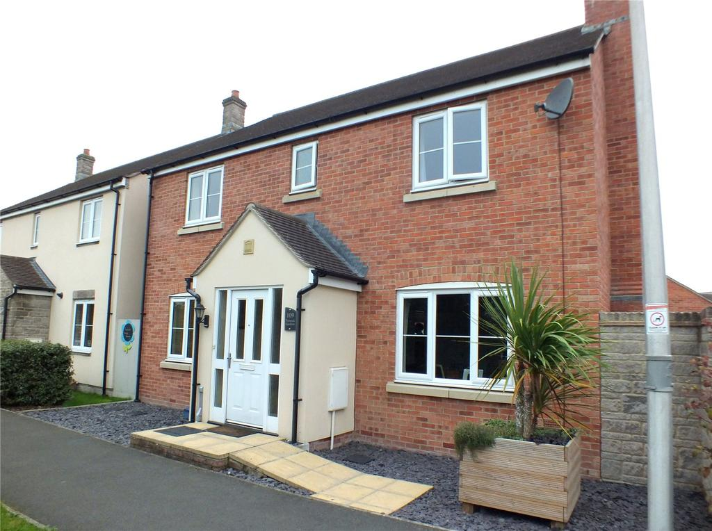 4 Bedrooms Detached House for sale in Turnock Gardens, West Wick, North Somerset, BS24