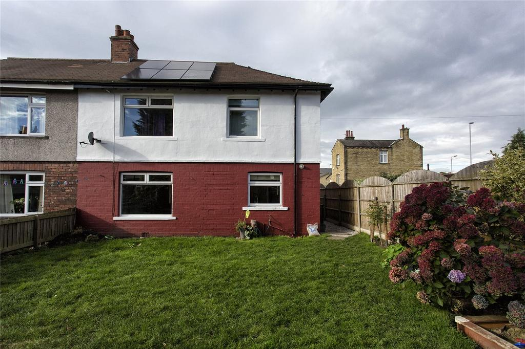 3 Bedrooms Semi Detached House for sale in Wakefield Crescent, Earlsheaton, Dewsbury, West Yorkshire, WF12