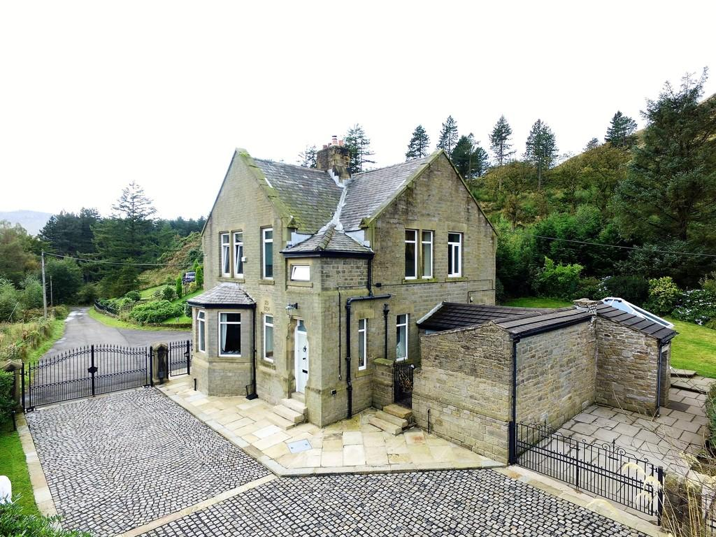 4 Bedrooms Manor House Character Property for sale in Off Holmfirth Road, Greenfield, Saddleworth