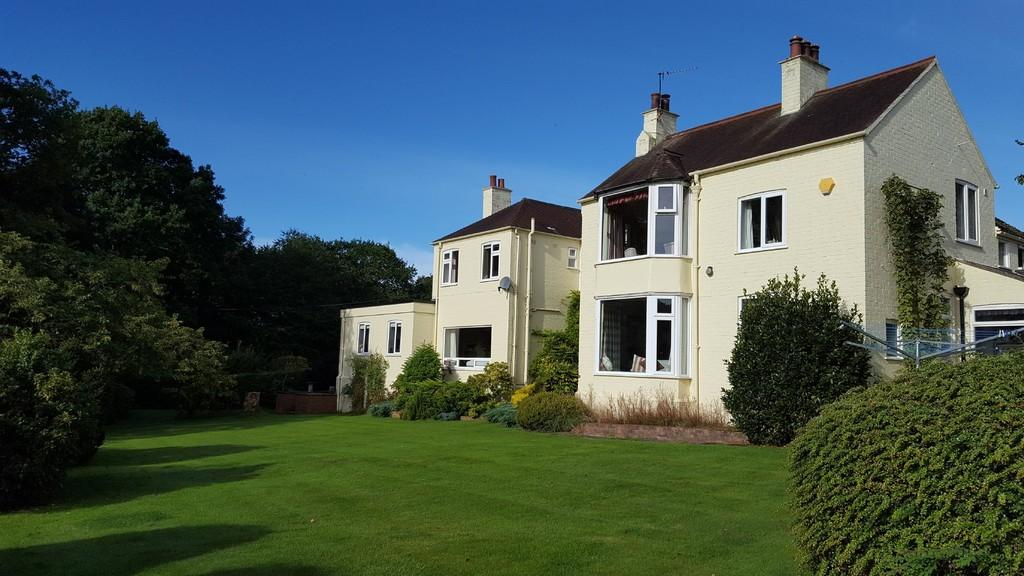 5 Bedrooms Detached House for sale in Stable Lane, Mouldsworth