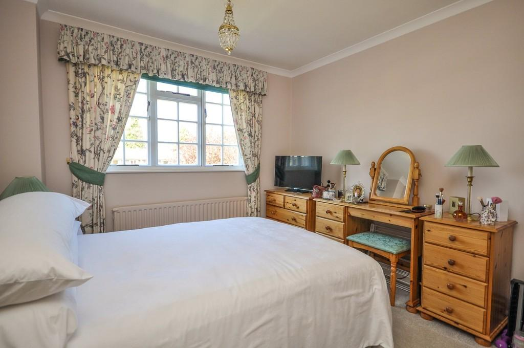 3 Bedrooms Terraced House for sale in Liphook