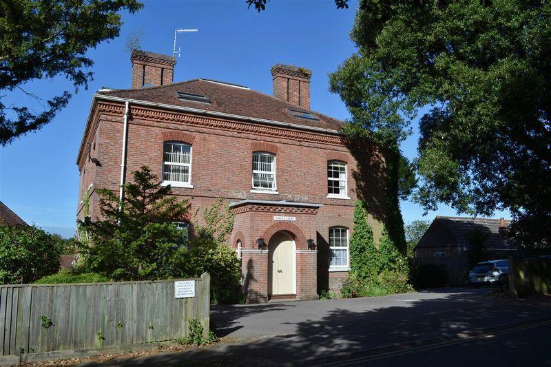 1 Bedroom Apartment Flat for sale in Oaklea Court, Hartfield