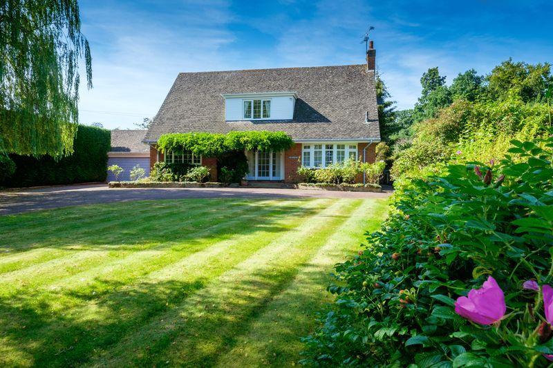 4 Bedrooms Detached House for sale in Badger, Shropshire