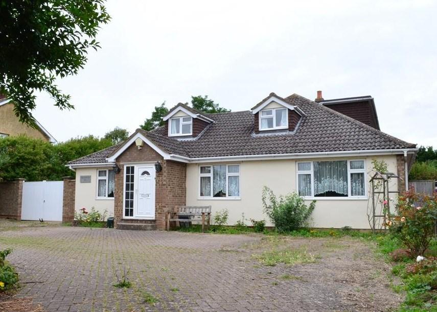 5 Bedrooms Detached House for sale in The Causeway, KNEESWORTH, Nr Royston, SG8