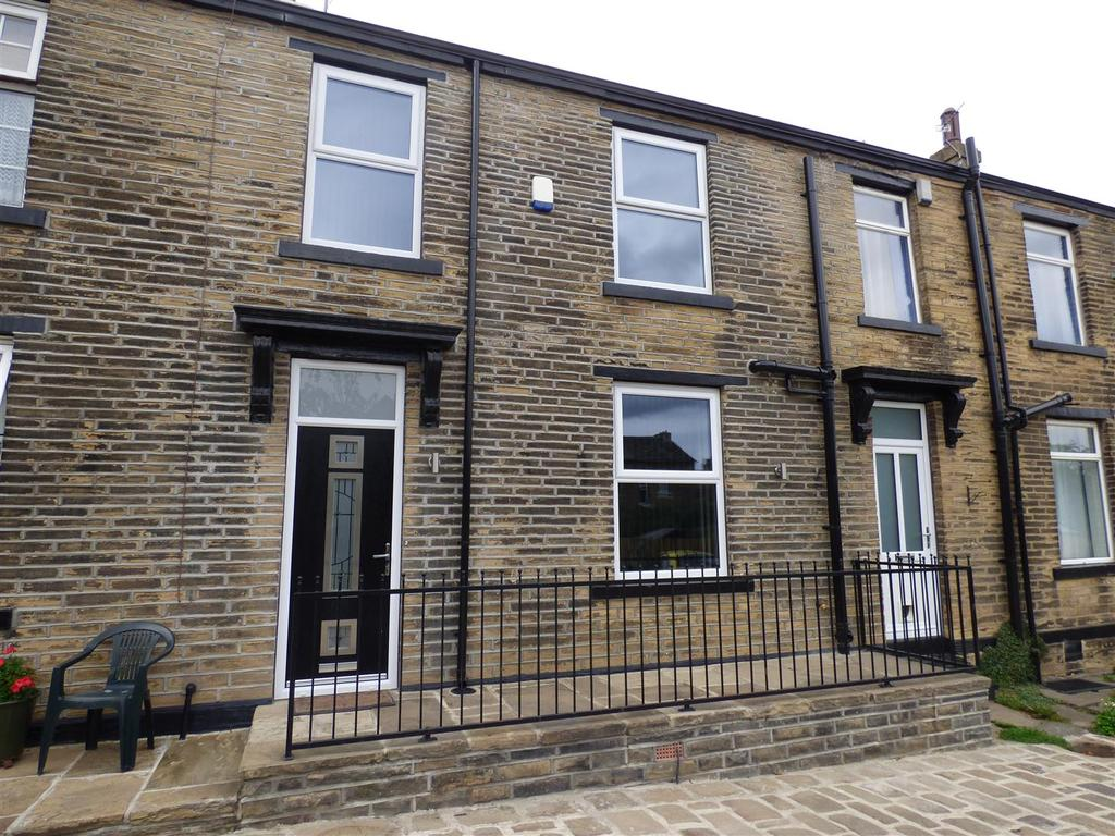 2 Bedrooms Cottage House for sale in Prospect Place, Eccleshill, Bradford, BD2 3LJ