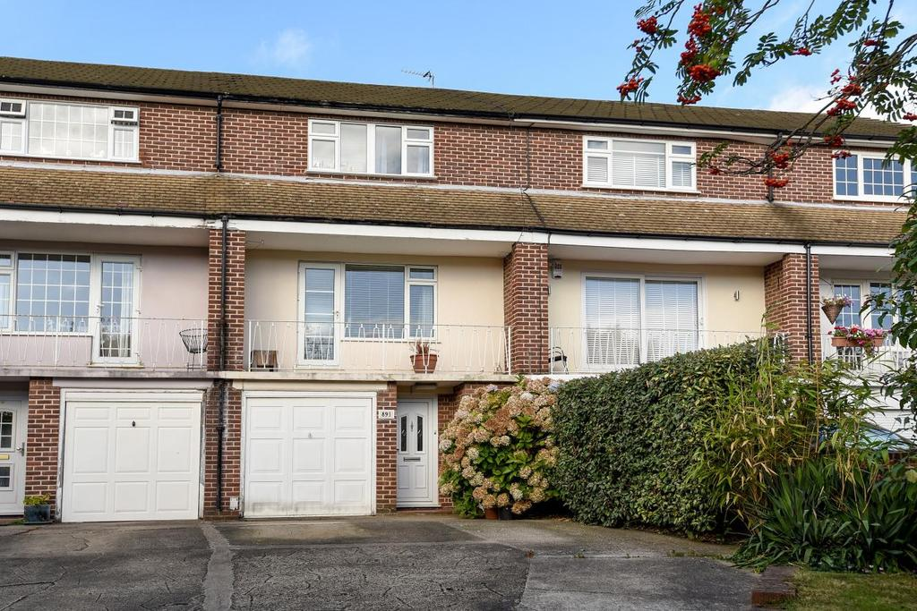 4 Bedrooms Terraced House for sale in Albemarle Road, Beckenham, BR3