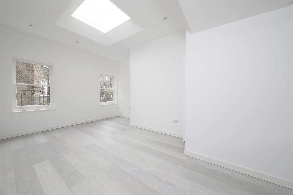 1 Bedroom Ground Flat for sale in Denbigh Street, Pimlico, London