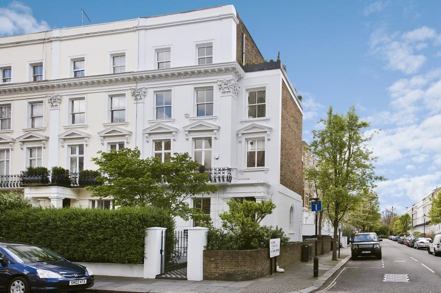 2 Bedrooms Flat for sale in Talbot Road, Notting Hill W2