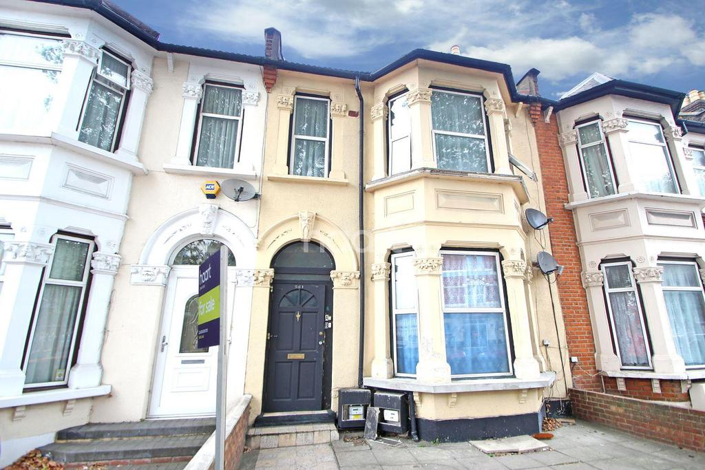 4 Bedrooms Terraced House for sale in Romford Road, London, E7