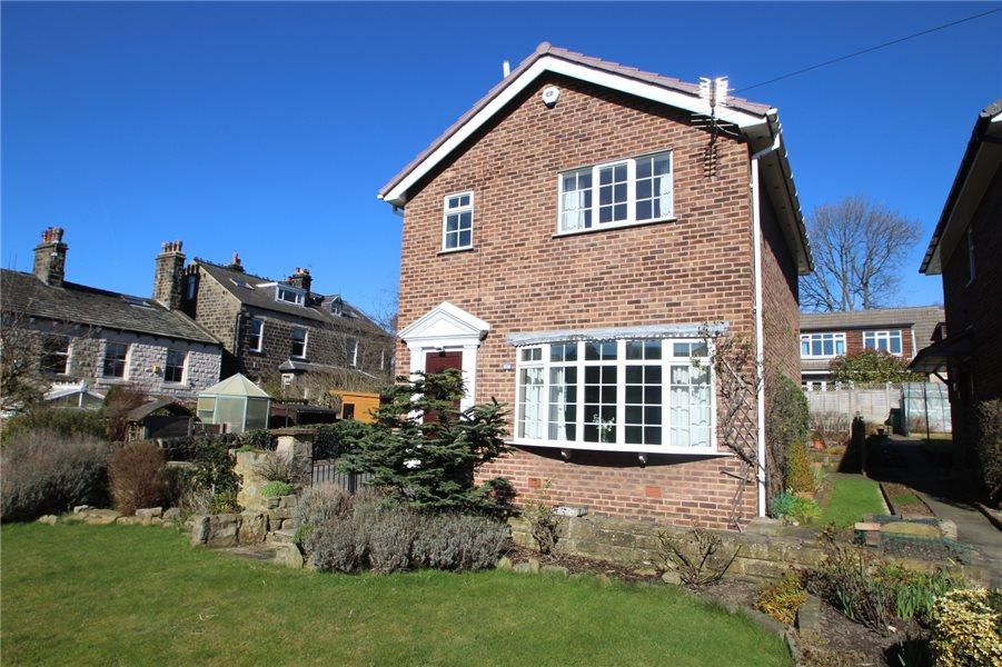 3 Bedrooms Detached House for sale in BURLEY LANE, HORSFORTH, LEEDS, LS18 4NR