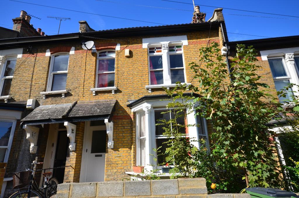 1 Bedroom Flat for sale in Woodland Terrace London SE7