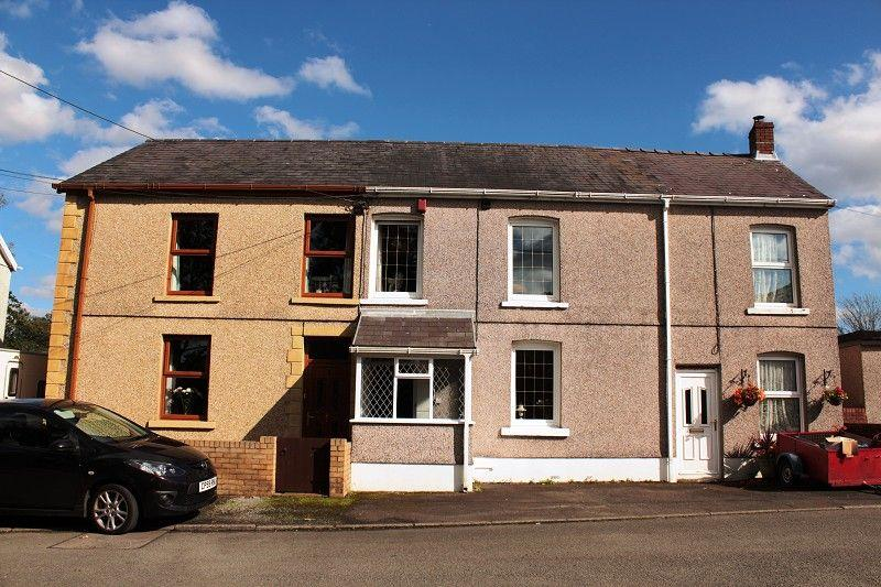 3 Bedrooms Terraced House for sale in Jolly Road, Garnant, Ammanford, Carmarthenshire.