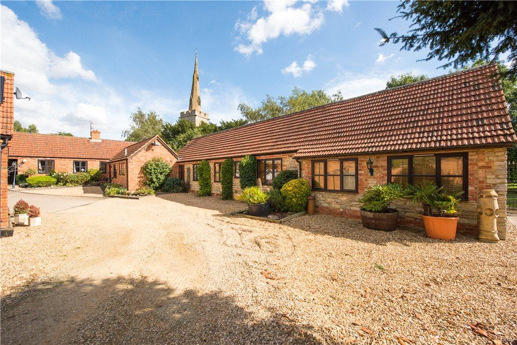 4 Bedrooms Barn Conversion Character Property for sale in Rushden Road, Newton Bromswold, Rushden, Northamptonshire