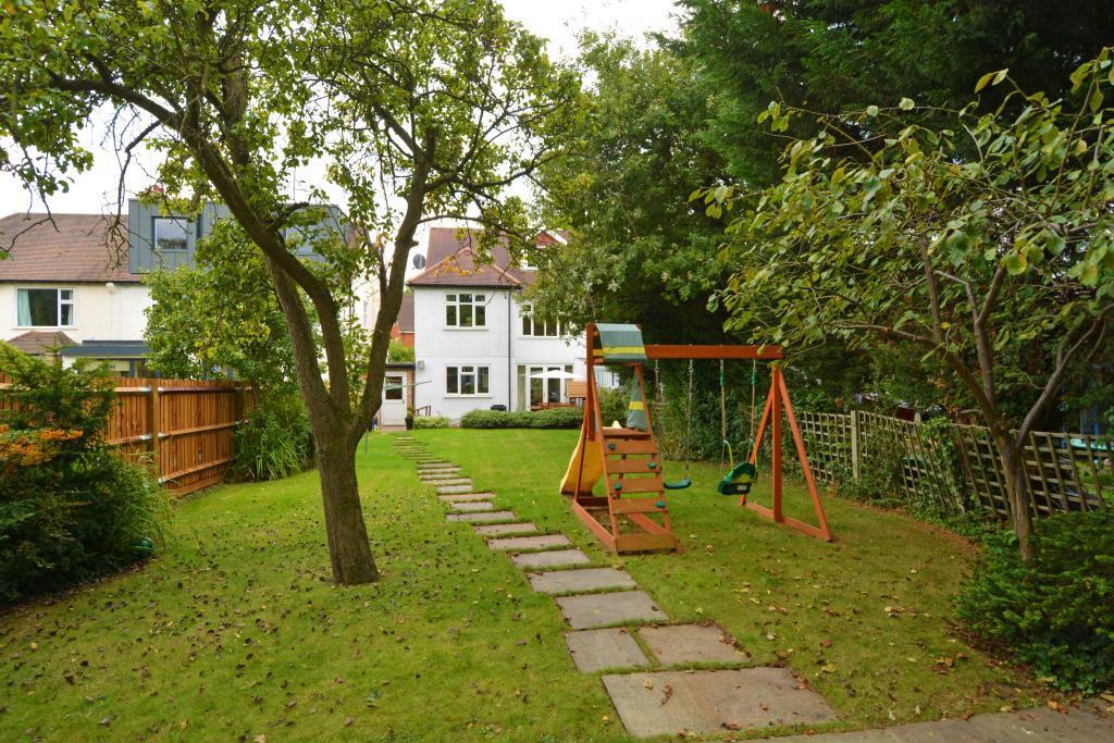 5 Bedrooms Semi Detached House for sale in Fordington Road, Highgate, London N6