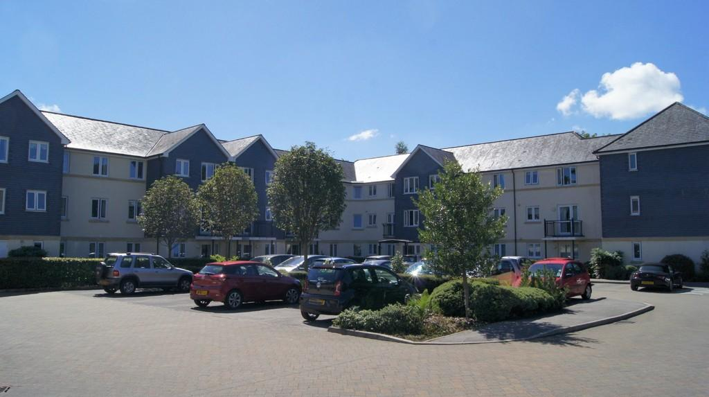 2 Bedrooms Apartment Flat for sale in Tavistock