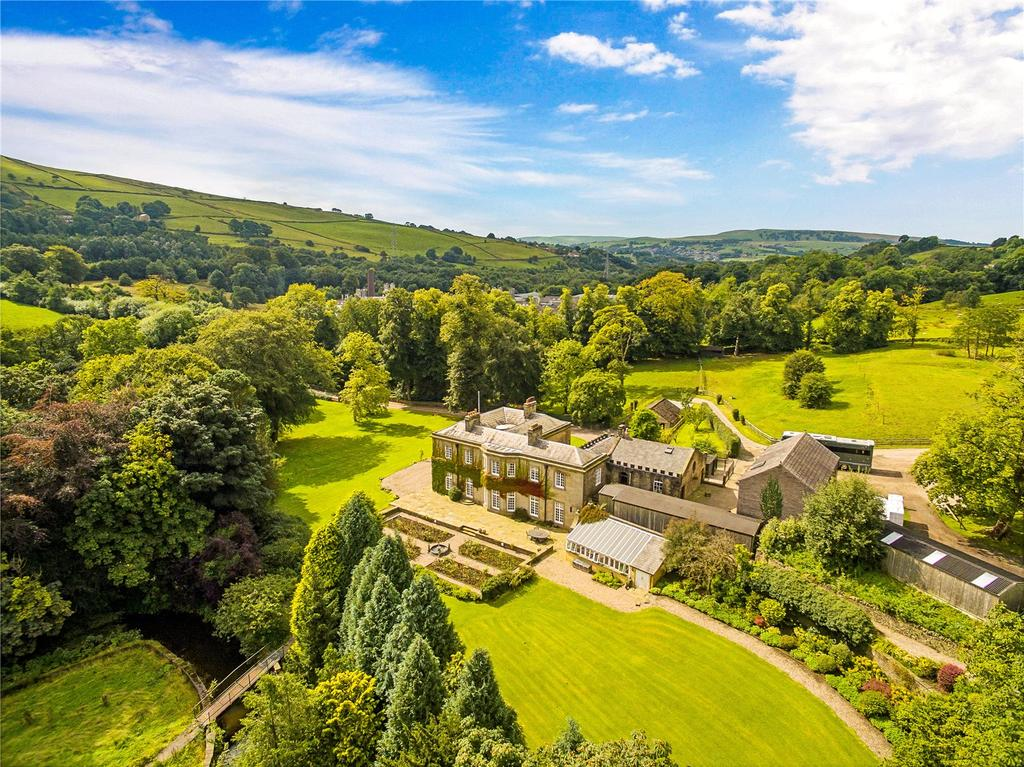 6 Bedrooms Detached House for sale in Whitehough, High Peak, Derbyshire