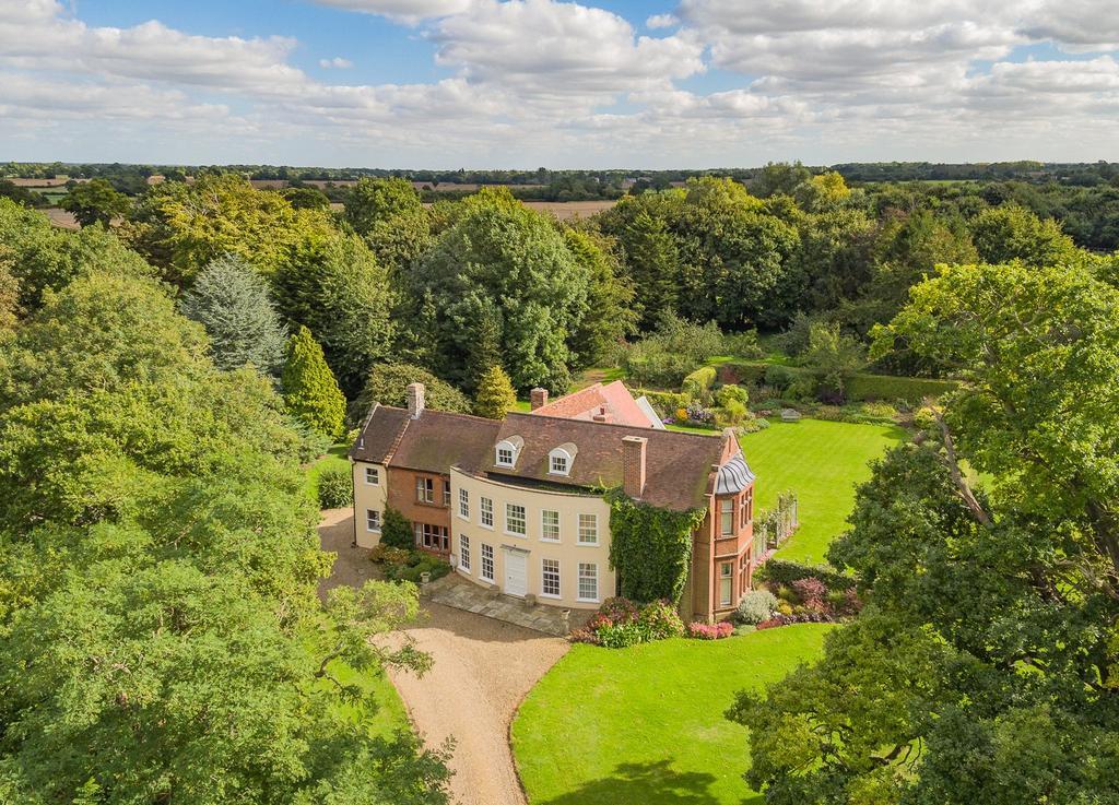 6 Bedrooms Detached House for sale in Topcroft Street, Topcroft, Norfolk