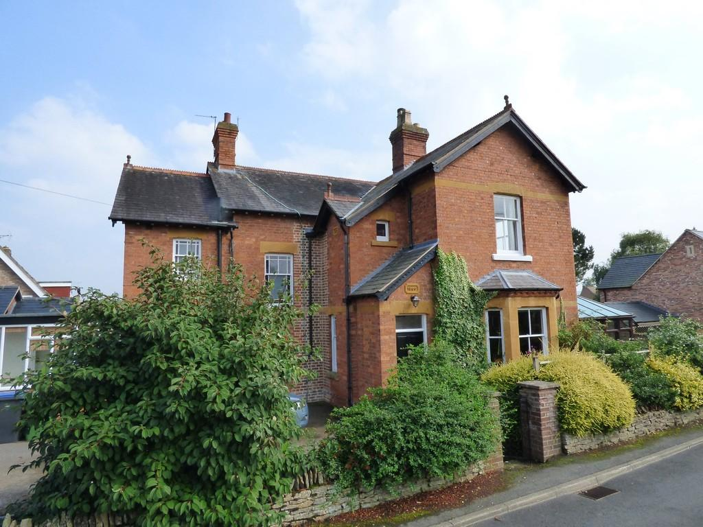 4 Bedrooms Detached House for sale in Green Lane, Shipston On Stour