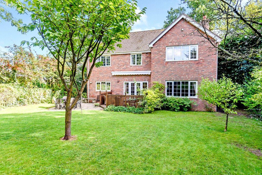 5 Bedrooms Detached House for sale in Heath End, Newbury, Hampshire, RG20