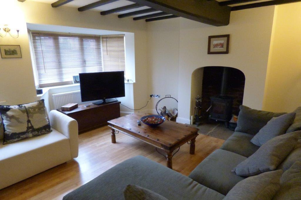 3 Bedrooms Semi Detached House for sale in High Street, Linton, Derbyshire