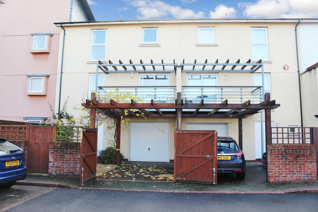 4 Bedrooms Town House for sale in Scott Paine Drive, Hythe Village Centre