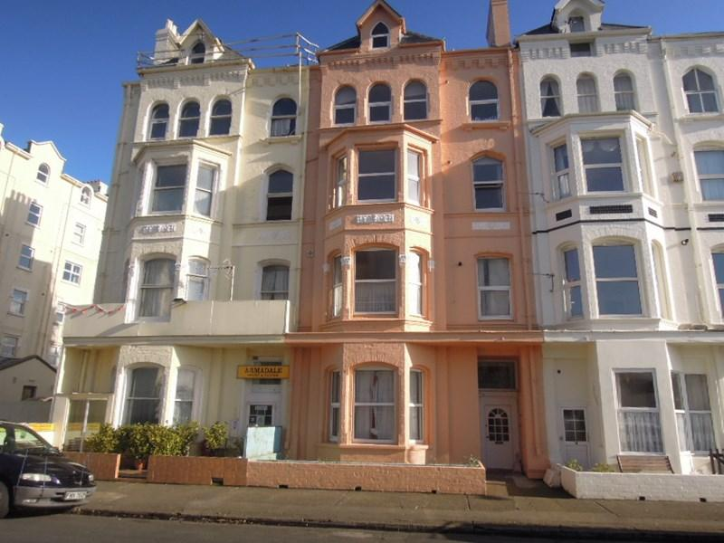 3 Bedrooms Apartment Flat for sale in North Shore Road, Ramsey, IM8 3AN
