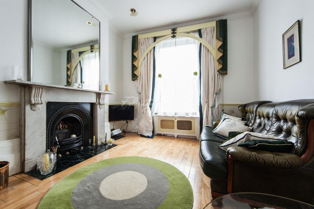 4 Bedrooms Terraced House for sale in Cadogan Terrace, Hackney, E9