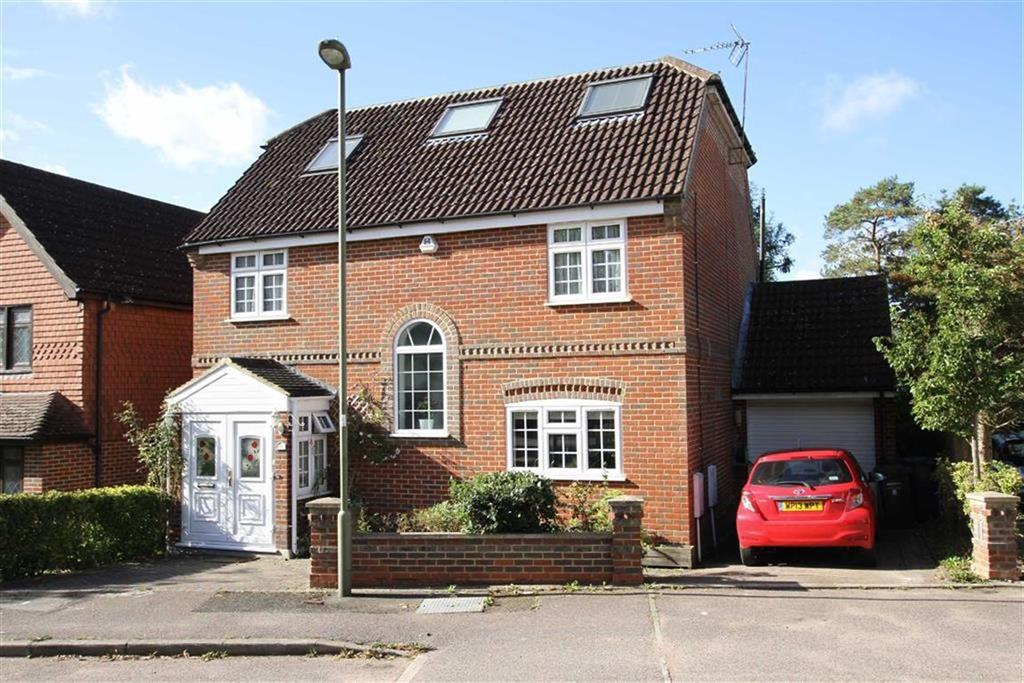 5 Bedrooms Detached House for sale in Cheriton Close, Cockfosters, Herts, EN4