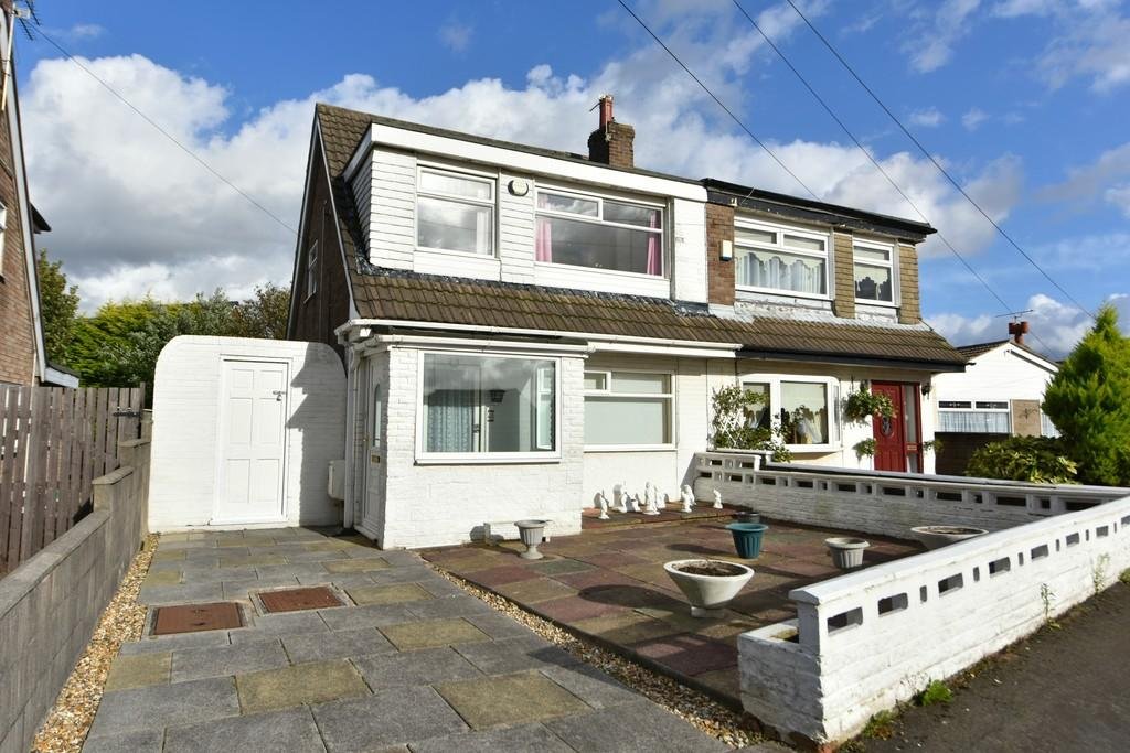 3 Bedrooms Semi Detached House for sale in Jackson Close, Haskayne