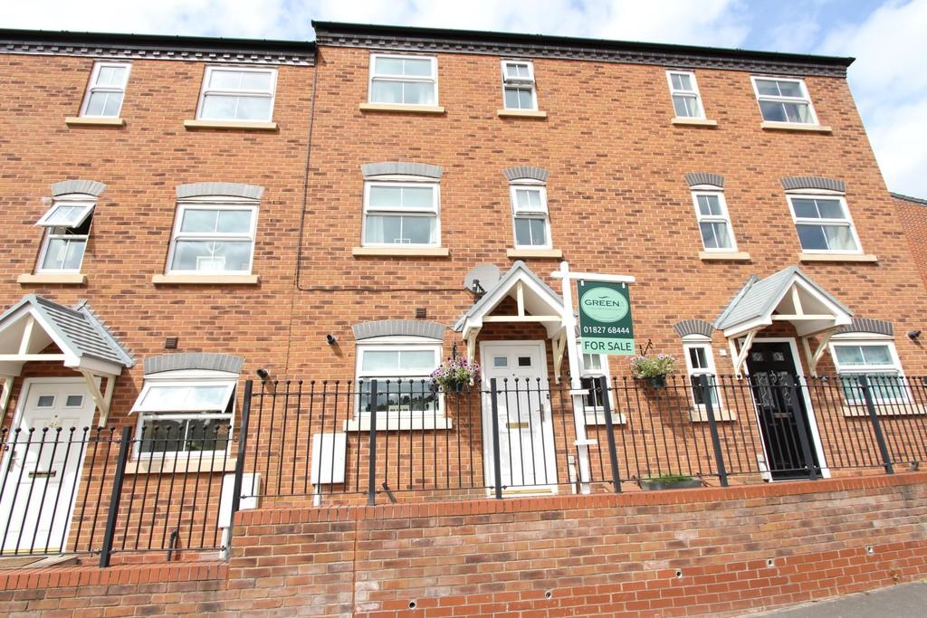 3 Bedrooms Town House for sale in Hedging Lane, Wilnecote, B77 5ET