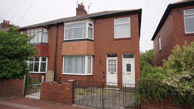 2 Bedrooms Apartment Flat for sale in DANBY GARDENS Heaton