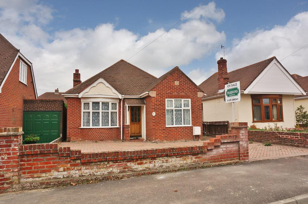 3 Bedrooms Detached Bungalow for sale in PORTCHESTER