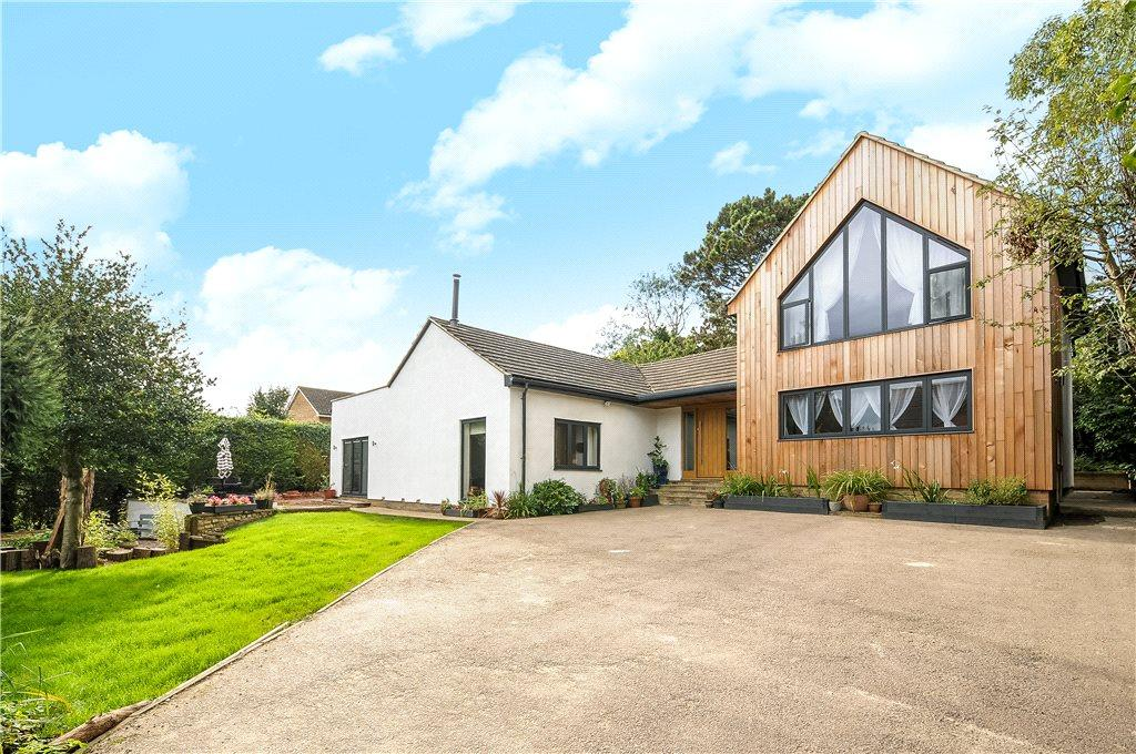 5 Bedrooms Detached House for sale in Pebble Lane, Brackley, Northamptonshire