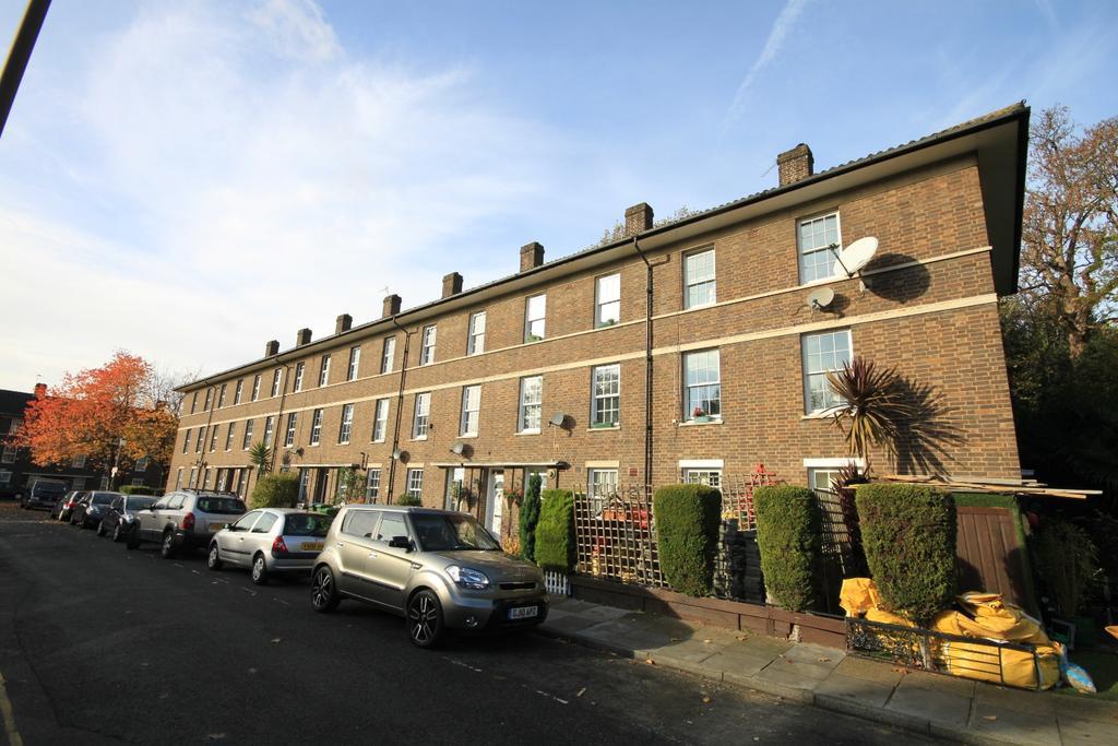 2 Bedrooms Maisonette Flat for sale in Fulthorp Road Blackheath SE3