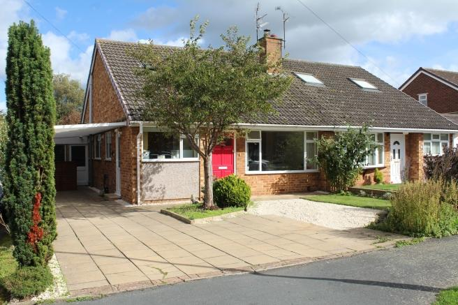 3 Bedrooms Semi Detached House for sale in 29 Springfield Avenue, Newport, Shropshire, TF10 7HP