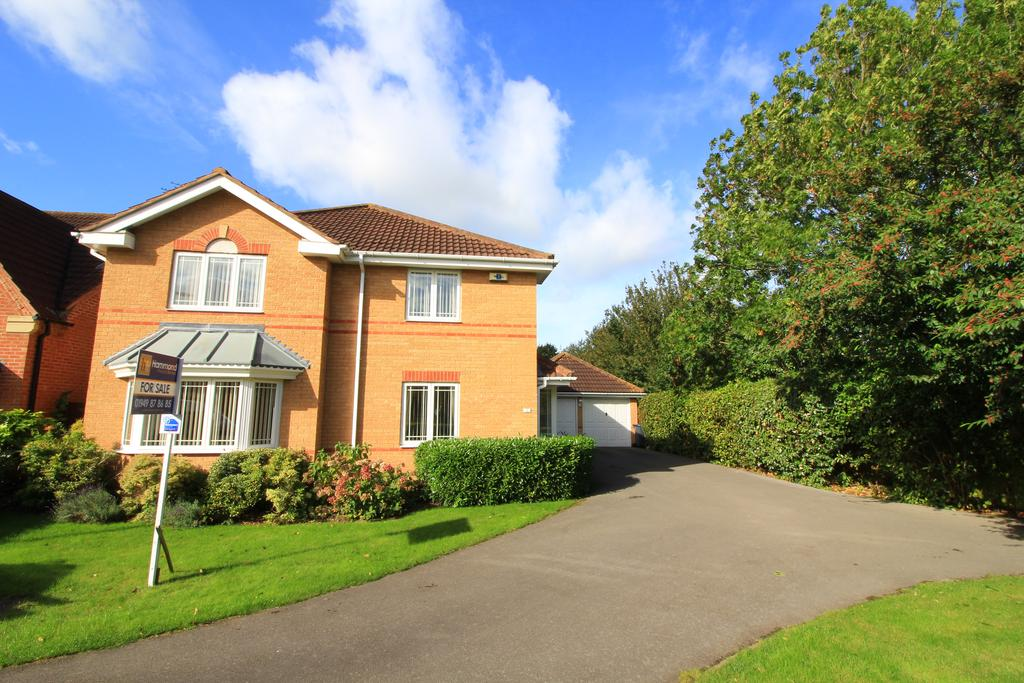 4 Bedrooms Detached House for sale in Angelica Court, Bingham NG13
